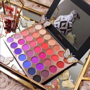 Kara beauty palette